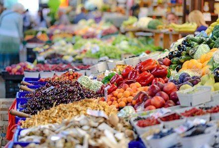 Μέχρι τις 5 Μαίου η αγορά του λιανεμπορίου παρουσίασε την πιο θετική τάση, στο 6%, με την κατηγορία των τροφίμων και των ποτών, στο 5,1%.