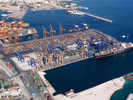 H British American Tobacco εκτιμάται ότι ενισχύει την ελληνική οικονομία με 150 εκατ. € και την κινητικότητα στο λιμάνι του Πειραιά.