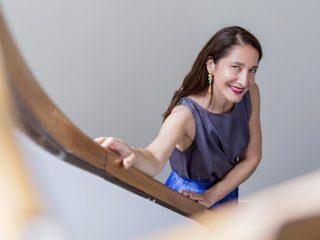 Το e-commerce «Σίγουρα θα ενδυναμωθεί και θα αλλάξει», αναφέρει στη συνέντευξη που παραχώρησε στο ml Market Leader η κ. Κατερίνα Ψωμά.