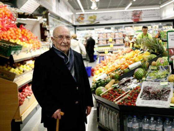 Σε ηλικία 95 ετών, πέθανε ο Ανδρέας Κρητικός, ιδρυτής των supermarkets Κρητικός. O εκλιπών ίδρυσε το πρώτο κατάστημα το 1948 στην Αίγινα.