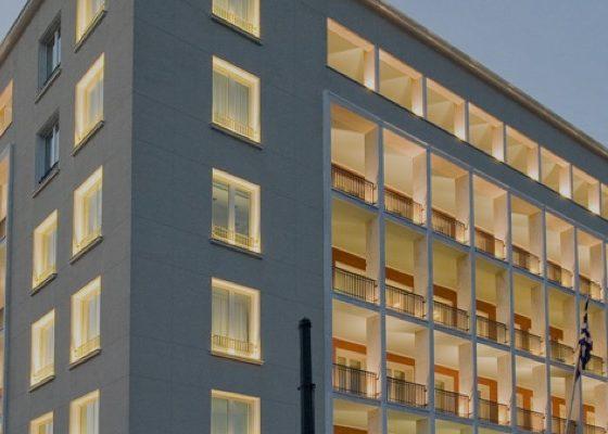 Η Eurobank ανακοίνωσε την απόκτηση τεσσάρων ακινήτων - υπεραγορών, που είναι πλήρως εκμισθωμένα στον Όμιλο Σκλαβενίτη.