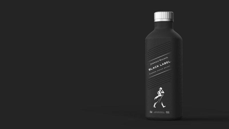 Το Johnnie Walker πρωτοπορεί και μπαίνει σε χάρτινο μπουκάλι! Η εταιρεία Diageo δημιούργησε το πρώτο μπουκάλι που δεν περιέχει πλαστικό.